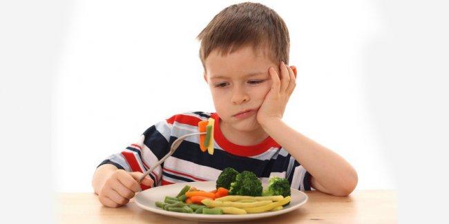 Ребенок плохо ест. Большая ли это проблема и как с ней бороться?