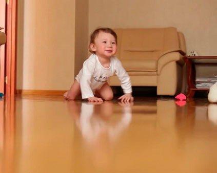 Как научить ребенка держать равновесие?
