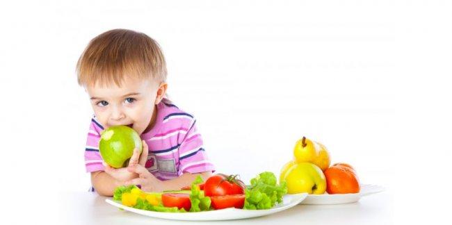 Когда начинать вводить в прикорм фрукты