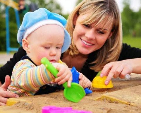 Как научится играть с ребенком