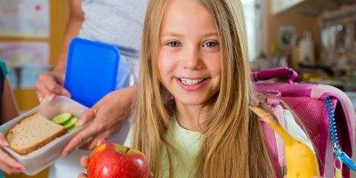 7 советов родителям. Как приучить школьника к полезным перекусам