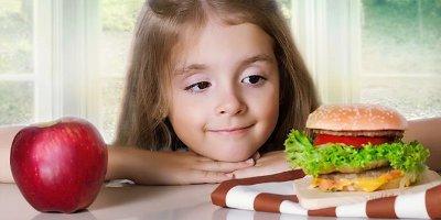 Отучаем ребенка от вредной пищи правильно